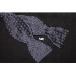 100% Silk Self Tie Straight End Thistle Bow Tie Grey Blue Diamond Pattern