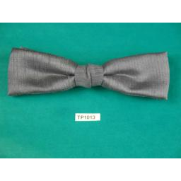 Vintage Grey Slub Fabric (Silk?) Square End Clip On Bow Tie