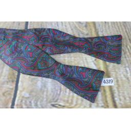 Vintage Tie Rack All Silk Paisley Pattern Self Tie Straight End Thistle Bow Tie