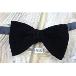 Vintage 1970s Classic Black Velvet Pre-Tied Bow Tie Adjustable
