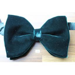 Vintage 1970s Pre-Tied Bow Tie Dark Green Velvet Adjustable Collar Size
