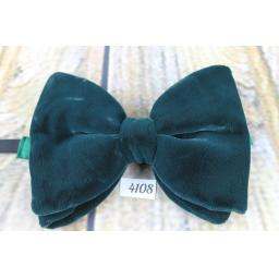 Vintage 1970s Jade Green Velvet Pre-Tied Bow Tie Adjustable