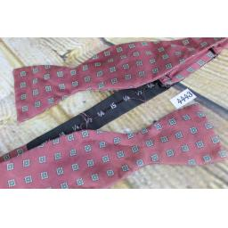 Superb Vintage Self Tie Bow Tie Straight End Thistle Squares Pattern