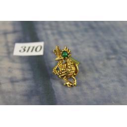 Vintage Unusual Gold Metal Fancy Bird With Green Gem Eye Tie Pin