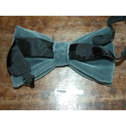 Vintage 1970s Pre-Tied Bow Tie Grey Velvet One Size Fits all