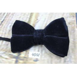 Vintage Classic Black Velvet Pre-Tied Bow Tie One Size Fits All