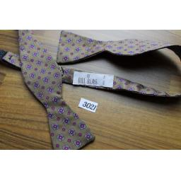 Vintage Bill Blass 100% Silk Self Tie Straight End Thistle Bow Tie Brown & Fuschia Repeat Pattern