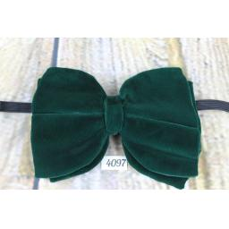 Vintage 1970s Emerald Green Velvet Pre-Tied Bow Tie Adjustable
