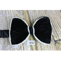 Vintage Unusual 1970s Black With Ivory Trim Velvet Pre-Tied Bow Tie Adjustable