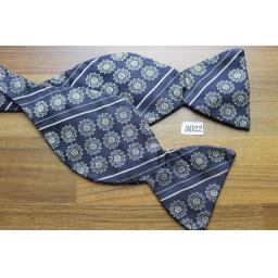 Vintage Self Tie Straight End Fat Thistle Bow Tie Black & Cream Pattern