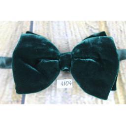 Vintage 1970s Emerald Green Velvet Pre-Tied Bow Tie