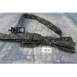 Superb J Ferrar Black & White All Silk Pre-Tied Bow Tie Adjustable to Fit All Collar Sizes