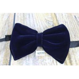 Vintage 1970s Classic Black Velvet Pre-Tied Bow Tie Adjustable To Fit All Collar Sizes