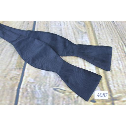 Vintage Self Tie Straight End Thistle Bow Tie Classic Black Perfect For Parties & Balls