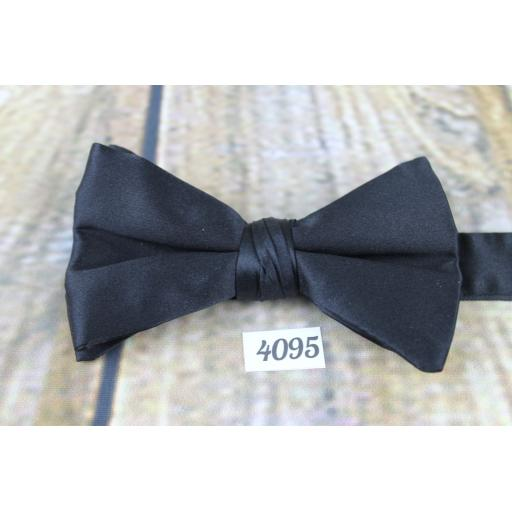 Vintage Classic Black Satin Slim Pre-tied Adjustable Bow Tie