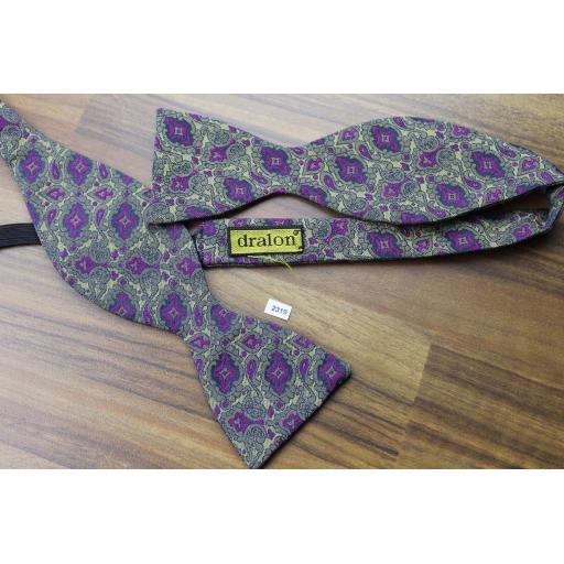 Vintage Dralon Self Tie Bow Tie Straight End Thistle Purple Paisley