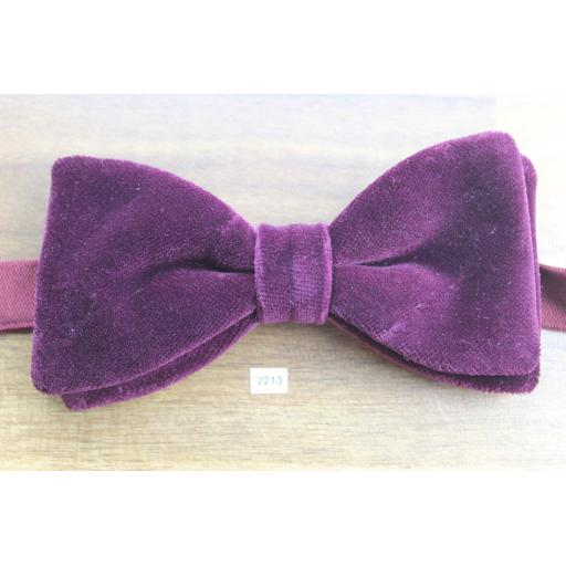 Vintage 1970s Pre-Tied Bow Tie Burgundy Velvet Adjustable Collar Size