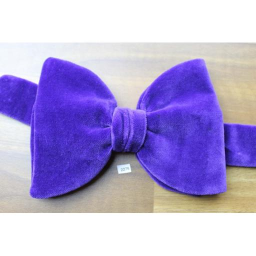 Vintage 1970s Pre-Tied Bow Tie Purple Velvet Adjustable Collar Size