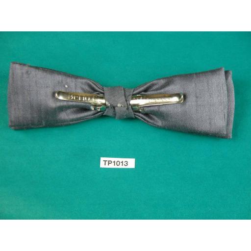 Vintage Grey Slub Fabric (Silk?) Square End Clip On Bow Tie
