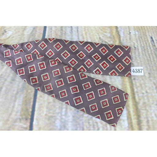 Vintage The University Shop All Silk Self Tie Adjustable Straight End Paddle Bow Tie