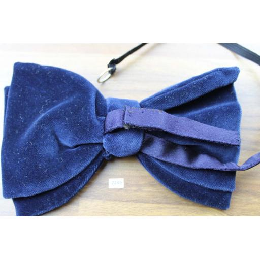 Vintage 1970s Pre-Tied Bow Tie Royal Blue Velvet Adjustable Collar Size
