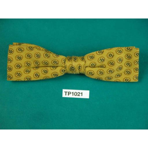 Vintage Boy's Mustard Repeat Pattern Square End Clip On Bow Tie