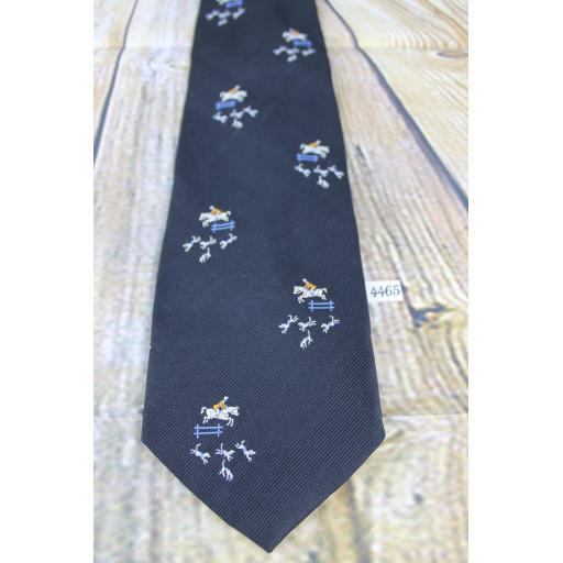 "Superb Vintage 1970s Brittania Black Fox Hunting Horse & Hounds Design 4.25"" Wide Kipper Tie"