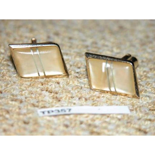 Vintage Gold Metal & Pearlised Lucite With Inset Metal Cuff Links