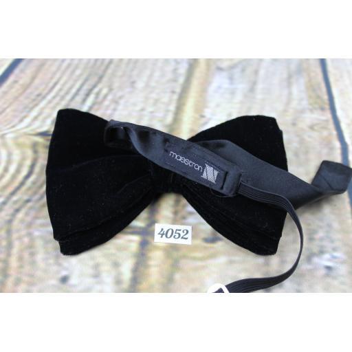 Vintage 1970s Classic Black Velvet Pre-Tied Bow Tie Adjustable