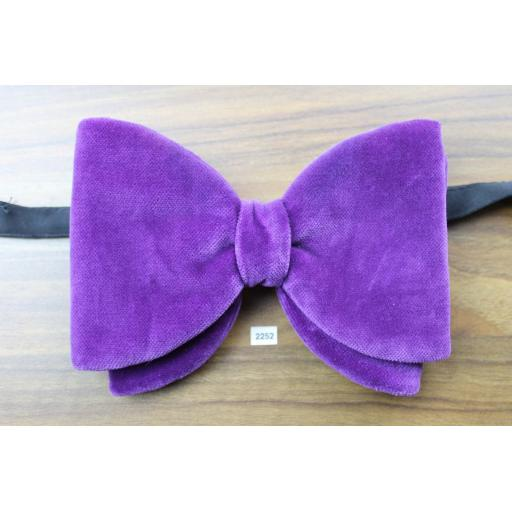 SOLD BRYAN Vintage 1970s Pre-Tied Bow Tie Purple Velvet One Size Fits All Sizes