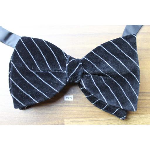 Vintage 1970s Pre-Tied Bow Tie Black & White Diagonal Stripe Velvet Adjustable Collar Size