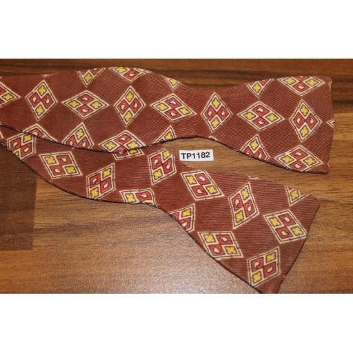 Vintage Silk Self Tie Adjustable Thistle End Bow Tie Diamond Pattern