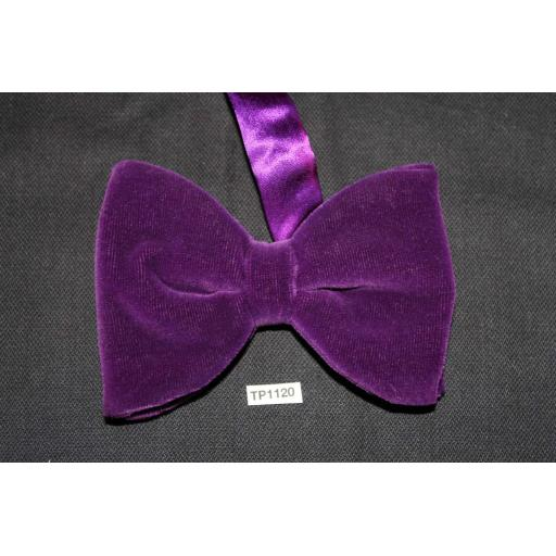 Vintage 1970s Pre-Tied Bow Tie Purple Velvet One Size Fits all
