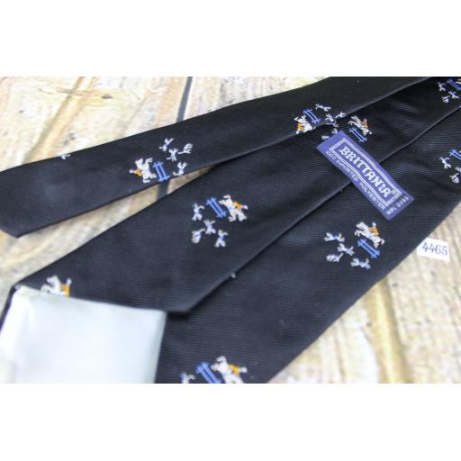 "Superb Vintage 1970s Brittania Black Fox Hunting Horse & Hounds Design 4.25"" Wide Kipper Tie"