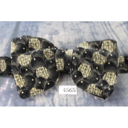 Vintage 1970s Charcoal and Beige Velvet Pre-Tied Bow Tie