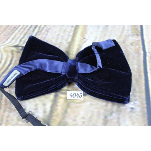 Vintage 1970s Navy Blue Velvet Pre-Tied Bow Tie Adjustable