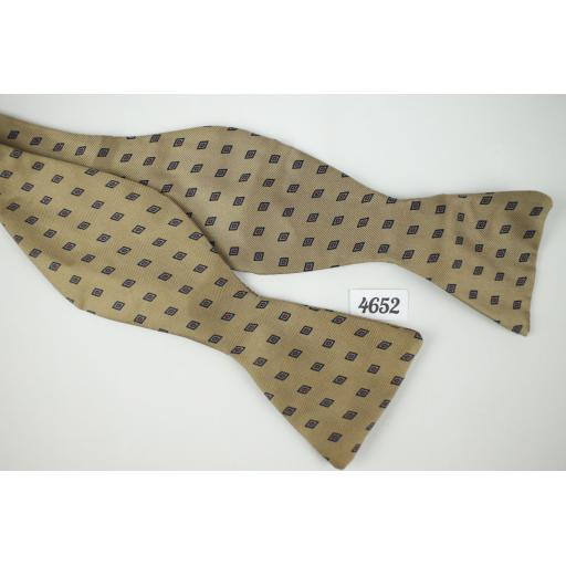 Mink Squares Pattern Self Tie Straight End Thistle Bow Tie