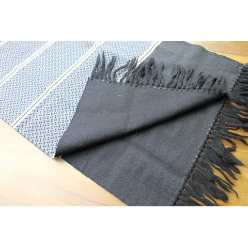 Vintage Mens Unusual Grey Black & Cream Fringed Scarf Retro Mod