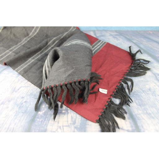 Vintage Mens Charcoal & Silver Grey Burgundy Striped Fringed Reversable Scarf