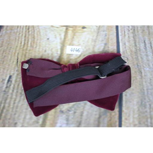 Unusual Vintage 1970s Two Layer Burgundy Velvet Pre-Tied Bow Tie Adjustable