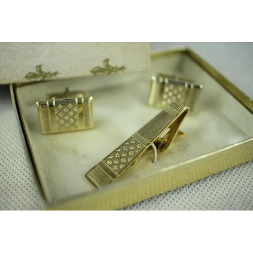 Vintage Gold Metal Tie Bar & Oblong Cufflinks