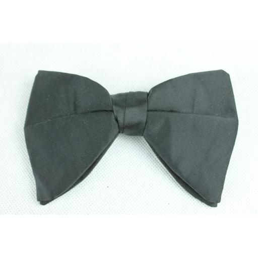 Black Drop Ends Clip On Satin Bow Tie Vintage